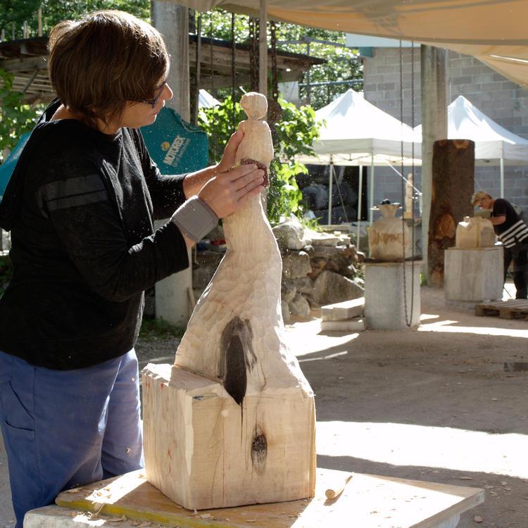 Holzbildhauen Schnupperwoche - Gestalten Sie Ihre eigene Skulptur im Tessin