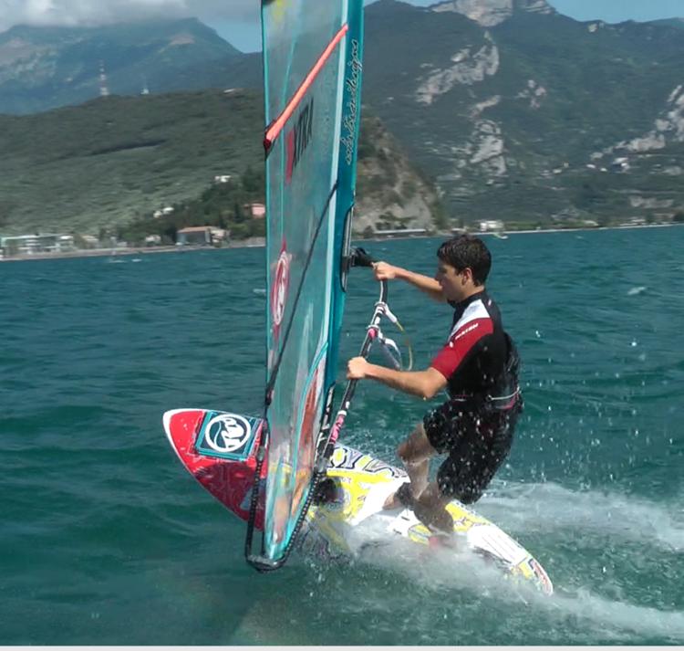 Retreaturlaub surfcenter lido blu windsurfen am gardasee in torbole italien
