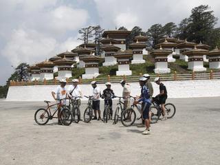 Retreaturlaub biketeam radreisen bhutan biketour im land der donnerdrachen