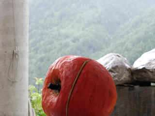Retreaturlaub bildhauerschule peccia holzbildhauen schnupperwoche gestalten sie ihre eigene skulptur im tessin