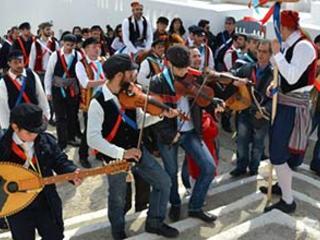 Tanzreisen nach Griechenland - Griechische Tänze auf der Insel Amorgos