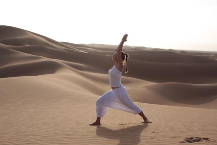 WÜSTENWANDERN mit KAMELTREKKING - 8 Tage Yoga in der Sahara