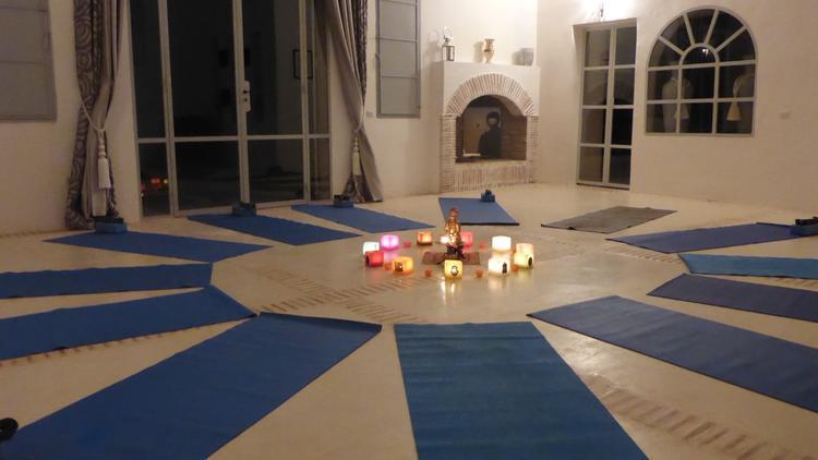 Retreaturlaub yogitrip yogarundreise mit wuestenuebernachtung 8 tage traumhotels