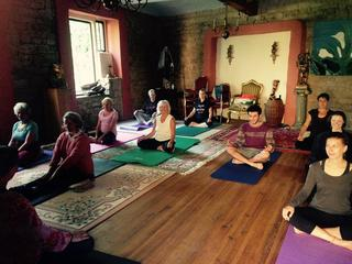 30 Tage Lebensschule - Karma Yoga und Meditation