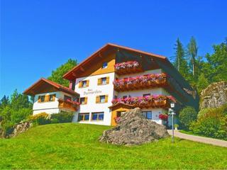 Retreaturlaub haus sonnenfels 8 tage body mind yoga hiking healthy food retreat in bodenmais bayerischer wald deutschland