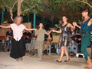 Retreaturlaub kreta mittendrin griechische rhythmen und taenze intensiv auf kreta