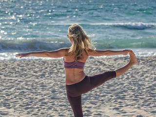 Retreaturlaub vivere vital yoga urlaub korfu mit motion yin yoga am meer