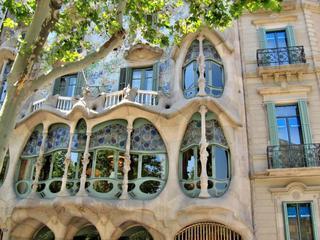 Kreativ Urlaub Barcelona Gaudi Mosaik Workshop Tagesausflug Montserrat mit Malen Bluehour Fotografie