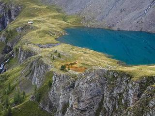 Retreaturlaub acrolama intro zu acroyoga training camp retreat in den schweizer alpen