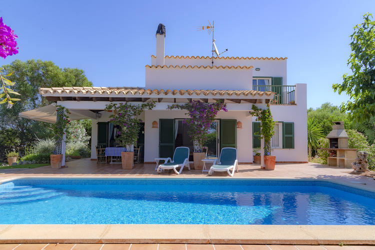 MENORCA Villa am Meer Wandern Blütezeit mit Malen, Mosaik, Pilates und Yoga