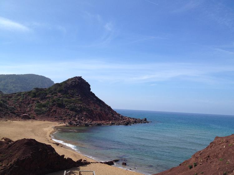 Retreaturlaub fiestadelarte holiday art menorca 14 taegige insel erholung urlaub villa mit pool und mediterranen garten 5min fusslaeufig zum strand