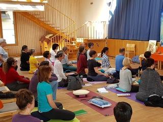 Yoga Bewegungstherapie- & Korrektur- Workshops – Allerheiligen-Zertifikatskurs