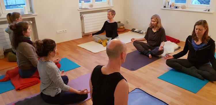 Retreaturlaub yoga meets you 5 tage neujahrsyoga mit meditation yoga philosophie bodensee