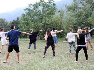 Retreaturlaub nara yoga 5 tage 5 elemente retreat detox mit yoga und meditation in der naehe von barcelona