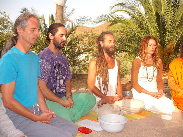 7 Tage Anahata Yoga ( Herzöffnend) & Meditation , Om Shanti Yoga & Healing Südkreta