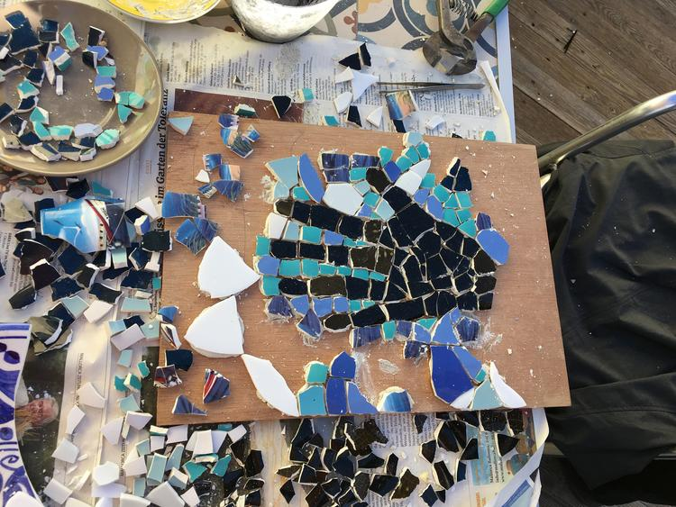 Retreaturlaub fiestadelarte holiday art menorca 10std workshop mosaik direkte indirekte methode gaudi trencadis in barcelona mit sightseeingtour