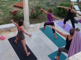 Yoga Energie, Entspannung und Heilschlamm auf der Insel Krk