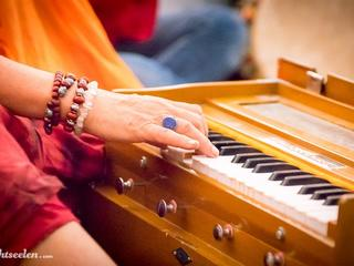 Anahata Yoga mit Anja  & Kirtan mit Lalita Devi  05.09.-12.09 2021 Om Shanti Yoga & Healing