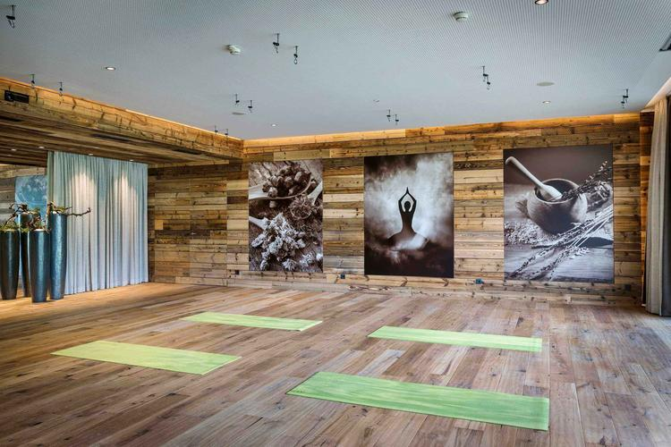 Retreaturlaub yoga meets you yoga meditation mountain soul im kraftort gasteinertal oesterreich