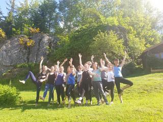 Retreaturlaub sonnenfels retreats 8 tage recharging body mind wandern yoga und mind coaching im bayerischen wald