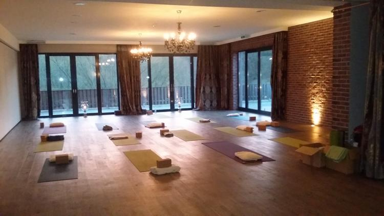 Retreaturlaub yep lounge yoga retreat wochenende im schlosshotel basthorst am 1 adventwochenende 2019