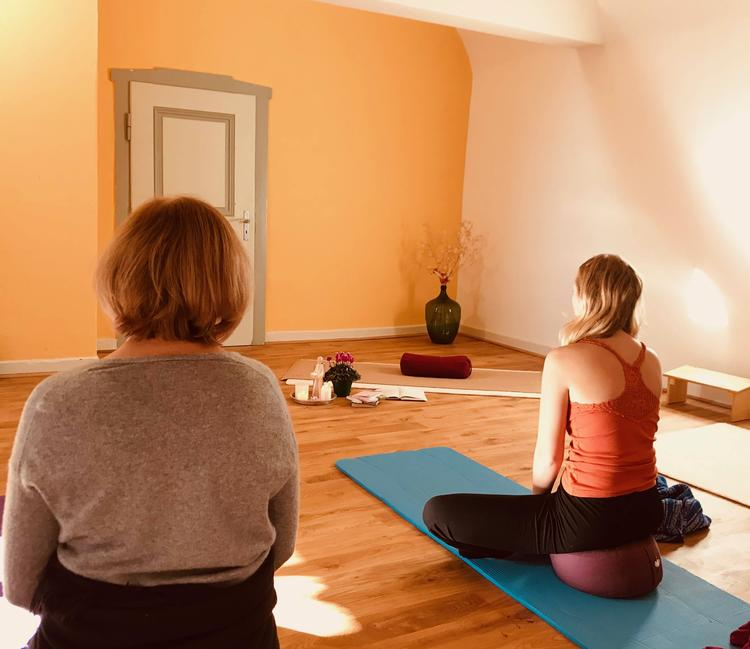 Retreaturlaub vivere vital yoga der achtsamkeit ruhe und entspannung im kloster