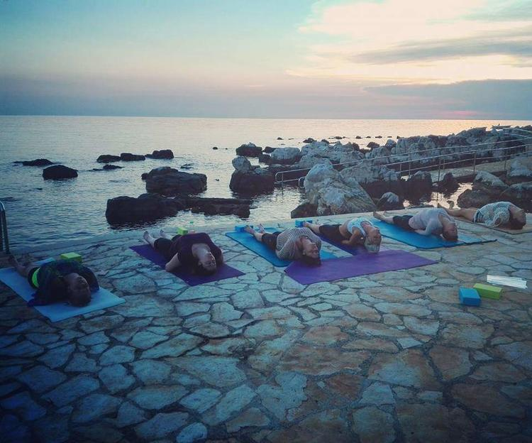 Retreaturlaub danielaholzer10 hotmail com yoga meets surf adveture e716e0a7 955f 49e4 a9f1 304e3eab391e