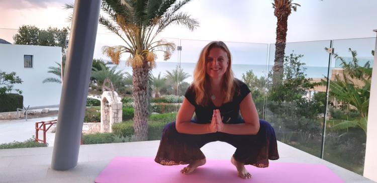 Retreaturlaub happiness community happiness yoga ferien yoga retreat mit kinderbetreuung
