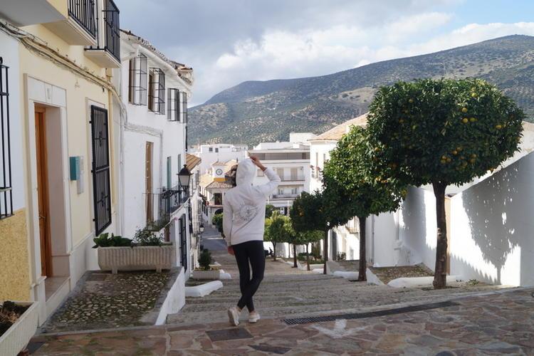 Retreaturlaub free spirits ananda andalusia yoga retreat in den bergen andalusiens spanien