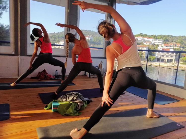Retreaturlaub yoga sub art yoga tanz retreat mit iva dekovic
