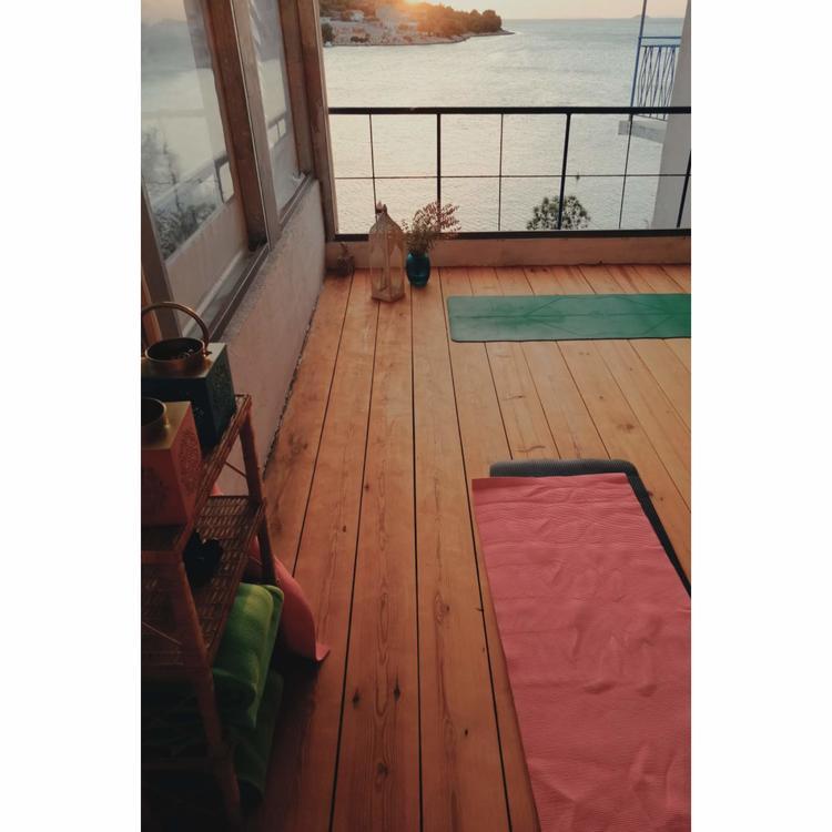 Retreaturlaub yoga sub art entspanntes yoga energiearbeit 6 tage retreat mit alexandra rigano
