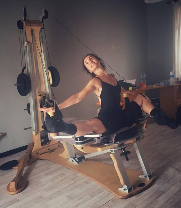 menorca yoga pilates urlaub strand villa mit mosaikkurs