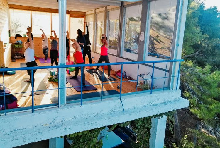 Retreaturlaub sub art yoga entspanntes yoga energiearbeit 6 tage retreat mit alexandra rigano