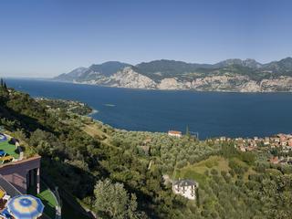 Malferien im 4 Sterne Panorama Residence Hotel Malcesine mit fantastischer See- und Bergsicht