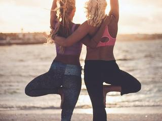 Yoga und Entspannung am Meer, Algarve, Portugal