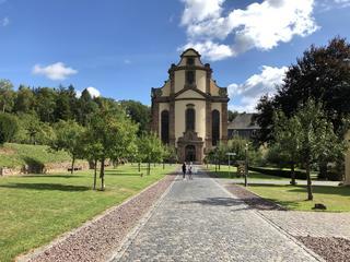 Yoga und Entspannung im Kloster Himmerod