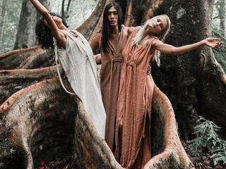 3 -tägiges Frauenretreat - Yoga Nidra, Naturtherapie, Schreiben, Zeremonien & Singen im Schwarzwald